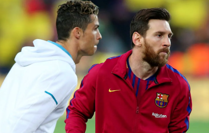 Messi & Ronaldo fans make Champions League comparison at age 33